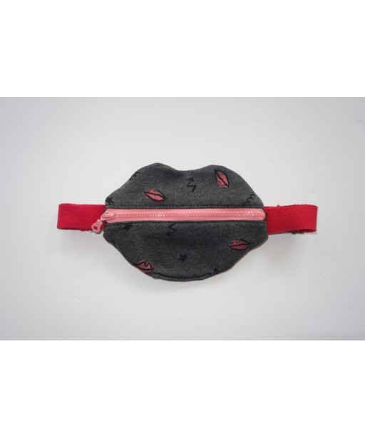 LIPS BELT BAG